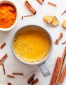 Golden milk (curcuma, zenzero, arancia, cannella)