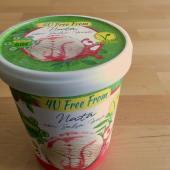 Nata con salsa de fresa (500 ml.)