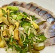 Філе оседелця з картопляним салатом (100/130г)