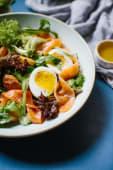 Салат із слабосоленим лососем