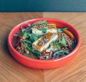 Гречана локшина з овочами та сиром тофу в азійському соусі (300г)