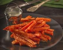 Солодка картопля-батат фрі з соусом Блю Чіз або Ренч (150/40г)