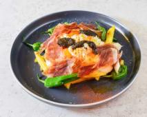 Huevos Rotos Con Jamón Ibérico Y Aceite De Trufa