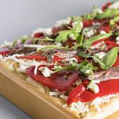 Pizza Piquillo y Anchoas mediana