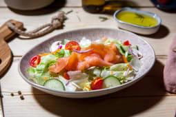 Salata cu somon fume