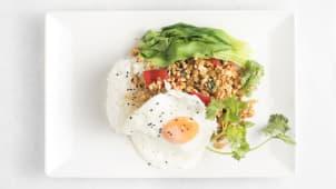 Pad Kra Pow Chicken or Pork (ljuto)