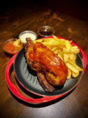 HALF BBQ ROAST CHICKEN con patate fritte