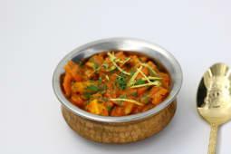 Wegetariańskie curry po nepalsku