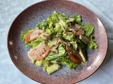 Салат з вугрем та авокадо