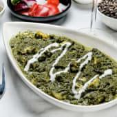 Espinacas con queso fresco (palak paneer)