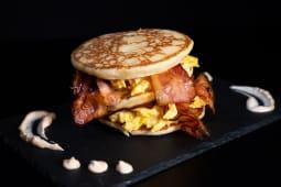 Pancake uova e bacon