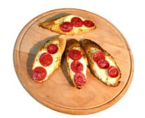 Dana Pepperonili Mozzarellalı Sarımsaklı Ekmek (4 Adet)