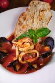 Спагеті з морепродуктами (350г)