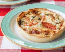 Пиріг із сирного тіста з куркою та томатами (230г)