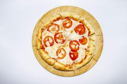 """Пицца """"Маргарита"""" с сырными бортиками (30 см.)"""