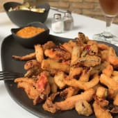 Verduritas de la huerta en tempura con salsa romesco