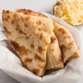 Cheese naan (queso fundido)