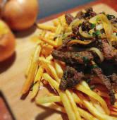 Tiras de Carne Bovina Acebolada Grande