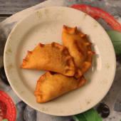 Empanada De Tres Quesos Fritas