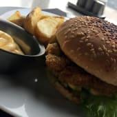 Бургер Теріякі з куркою та картоплею (220/150/30г)
