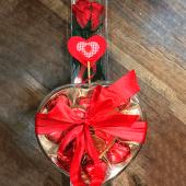 Rosa roja preservada (30 cm.) + caja de bombones