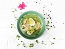 Курячий бульйон з яйцем і локшиною (300г)