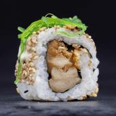 Uramaki de pollo yakitori (4 pzs.)
