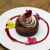 Brownie con crema de coco y Mousse de chocolate