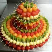 Pièce montée à 3 étages en fruits