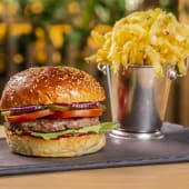 Meniu Clasic Burger Cheesy Potatoes
