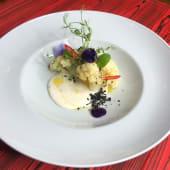 Цвітна капуста в сироному соусі з землею з маслин (200г)