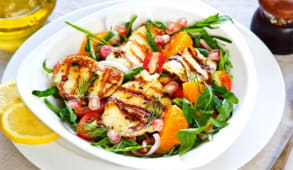 Salata de pui cu sos de rodie