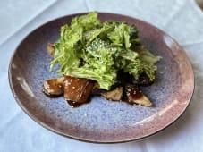 Теплий салат з індичкою