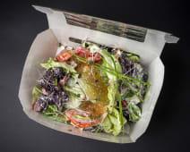 Овочевий салат із сметанковою заправкою та медовою ікрою (200г)