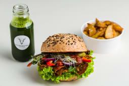 Burger Vegan Pastrami + pieczone ziemniaczki + lemoniada domowa