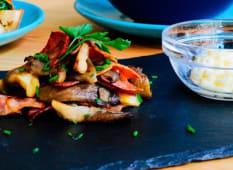 Míscaros e Bacon Salteados com Molho Tártaro