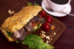 Сэндвич злаковый с казы (1 шт.)