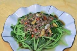 Баранина со шпинатом