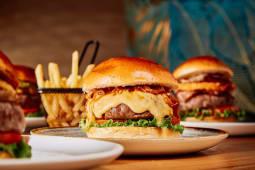 Le Burgerie + guarnición