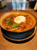 Китайский суп с лапшой и говядиной