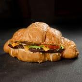 Круасан Чізбургер з соусом Гострим (260г)