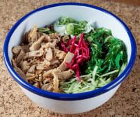 Cous cous con verduras encurtidas y proteína vegetal heüra