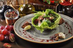 Теплий салат з індичкою, фуа-гра і маскарпоне (240г)