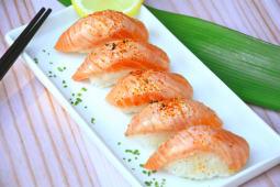Nigiri spicy (5 piezas)