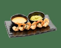 Пряные жаренные креветки с соусом из авакадо и кимчи (80/20 г)