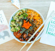 Marinated salmon sushi bowl