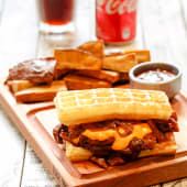Waffle de Cerdo a la BBQ