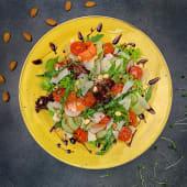 Мікс салату з козячим сиром (220г)
