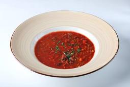 Мексиканский томатный суп с фасолью и перцем чили