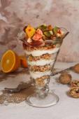 Гранола с йогуртом